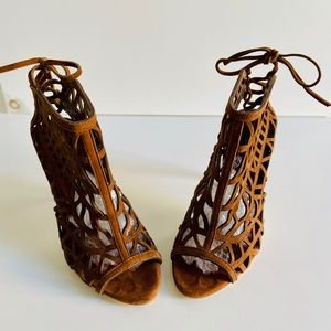 Zara Basic Cognac Open Macrame Sandal